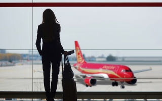 Предусмотренные способы получения информации об отмене или задержке рейса, обязательства авиаперевозчика