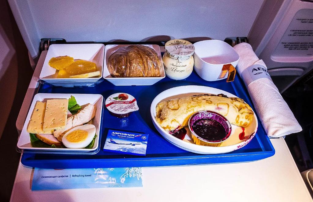 Авиакомпания Аэрофлот: чем кормят